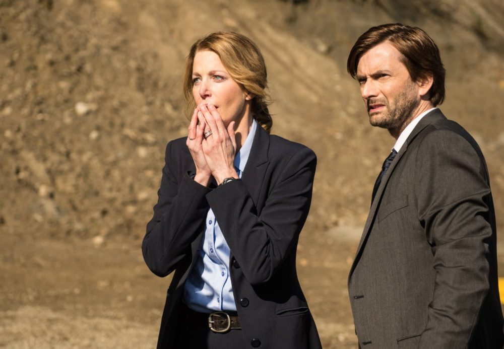 Anna Gunn and David Tennant in Gracepoint