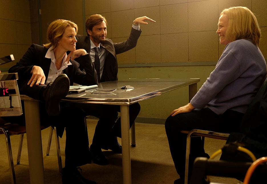 Anna Gunn and David Tennant on set in Gracepoint