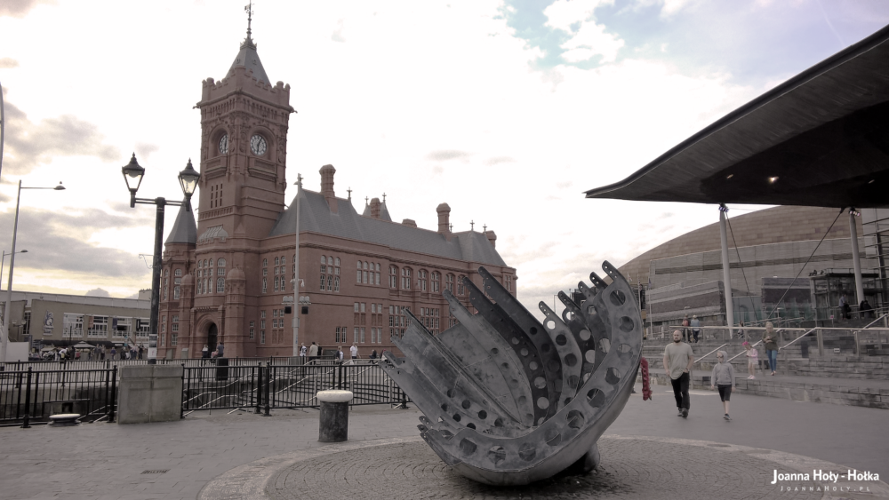 Cardiff Merchant Seamen's Memorial - Ship