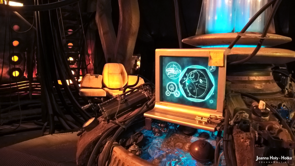 Ninth Ten Doctor Who Coral TARDIS interior