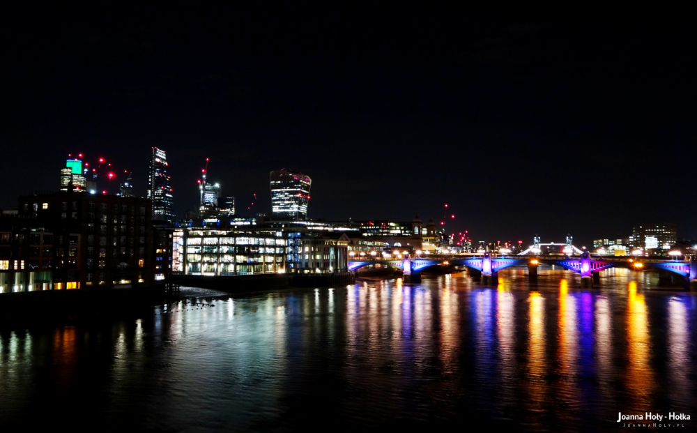 Thames at night, with Walkie-Talkie